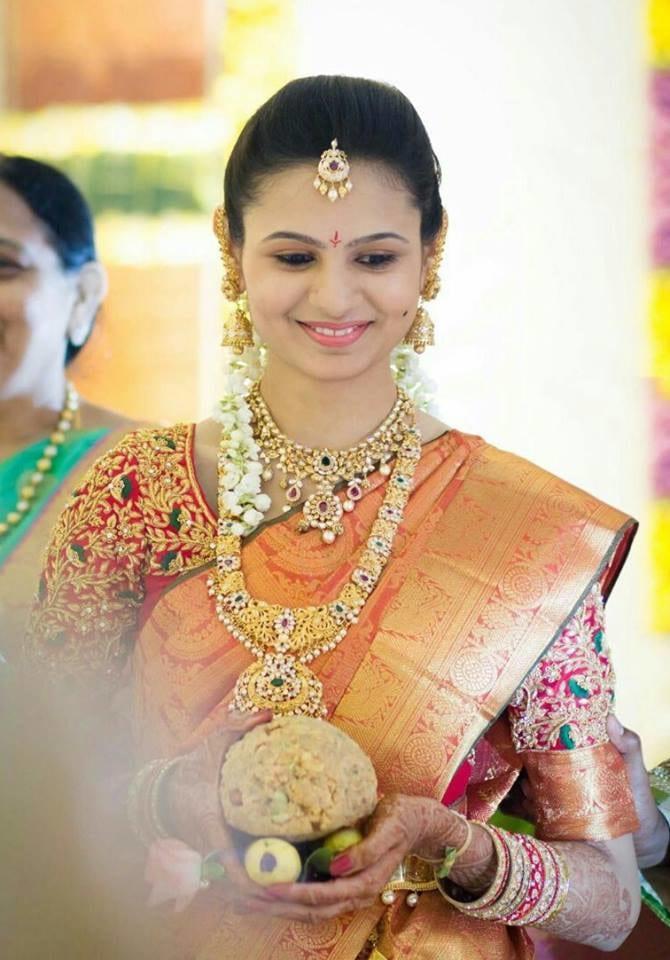 Wedding look. by Naresh Thogati Bridal-makeup | Weddings Photos & Ideas