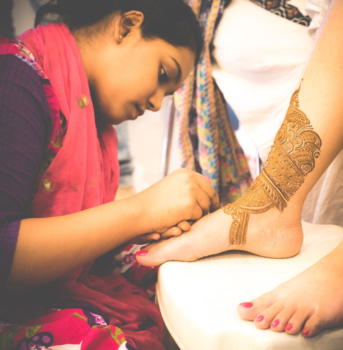 Getting the heena done! by Fahim Sayed Wedding-photography | Weddings Photos & Ideas