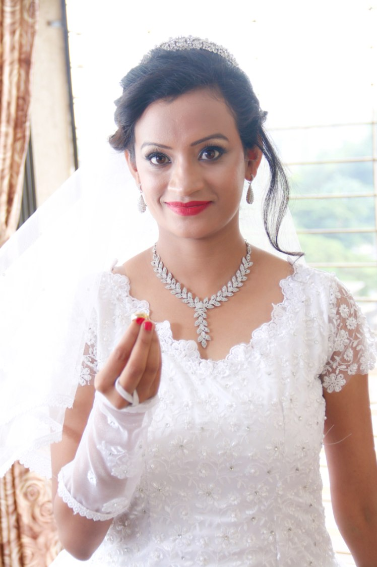 Peerless glance by Deepika Dhambeer Bridal-makeup | Weddings Photos & Ideas