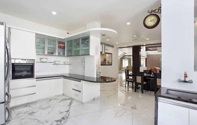 White Modular kitchen by R. Gautam Jain Modular-kitchen Minimalistic | Interior Design Photos & Ideas