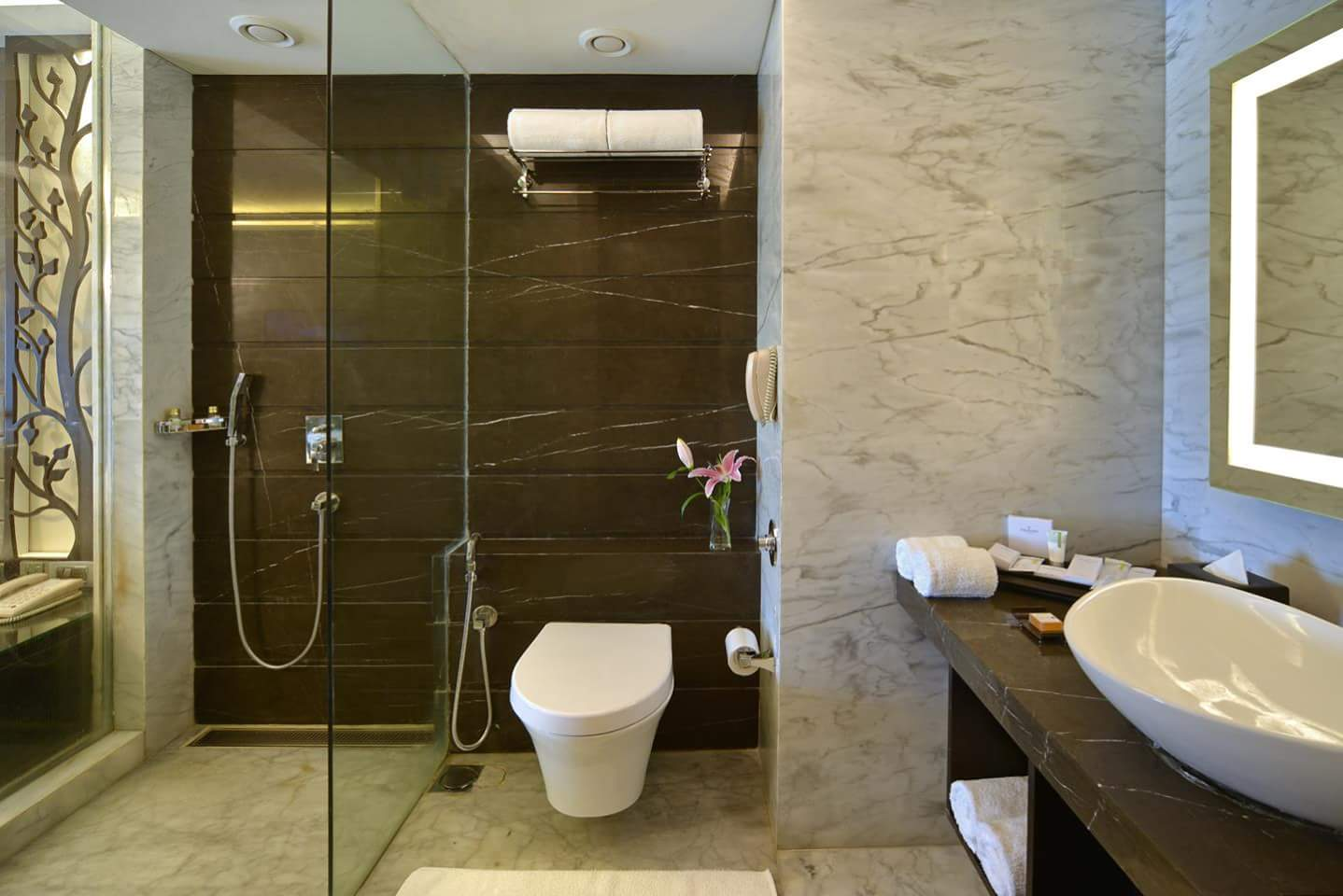 Bathroom With Brown Tiles by R. Gautam Jain Bathroom Modern | Interior Design Photos & Ideas