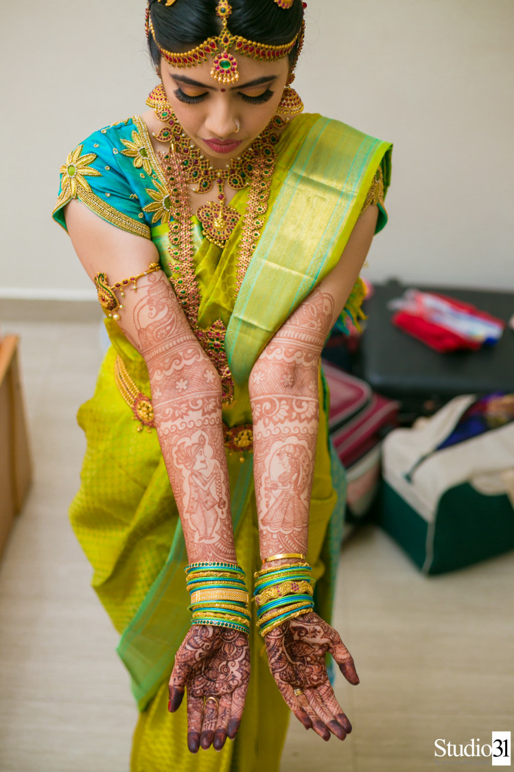 Intricate mehendi designs of bride by Studio 31 by Pranesh Photography Wedding-photography | Weddings Photos & Ideas
