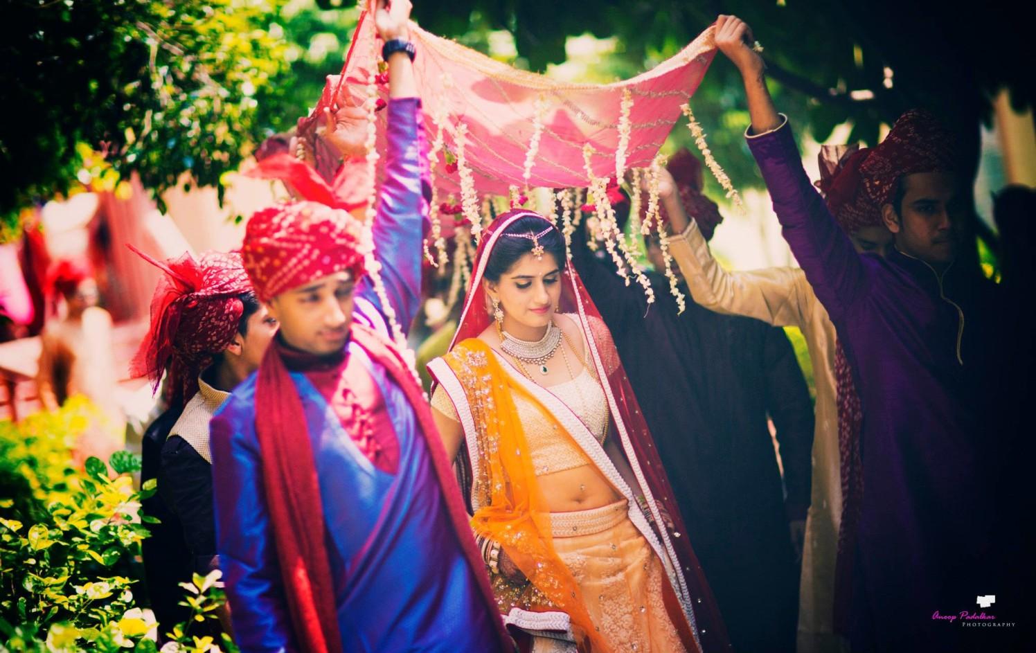Grand entry by Wedding Krafter