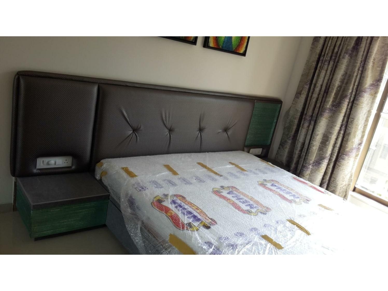 Contemporary bedroom by ARN INTERIORS Contemporary | Interior Design Photos & Ideas