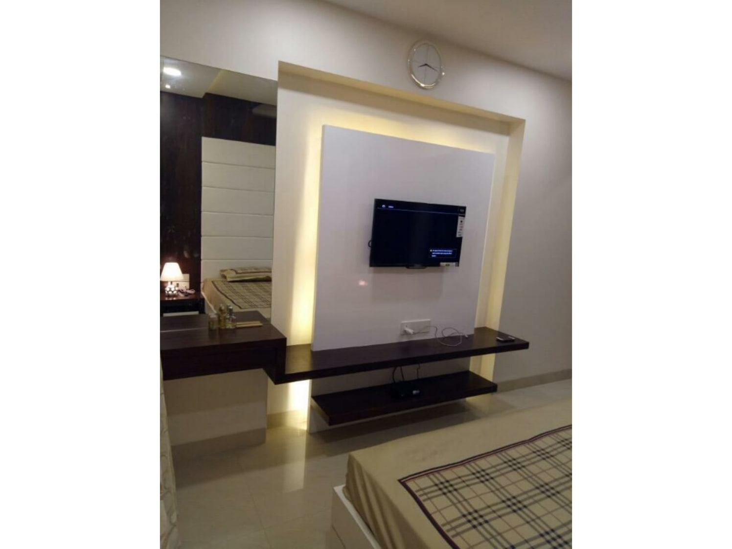 Contemporary TV Cabinet by ARN INTERIORS Bedroom Contemporary | Interior Design Photos & Ideas