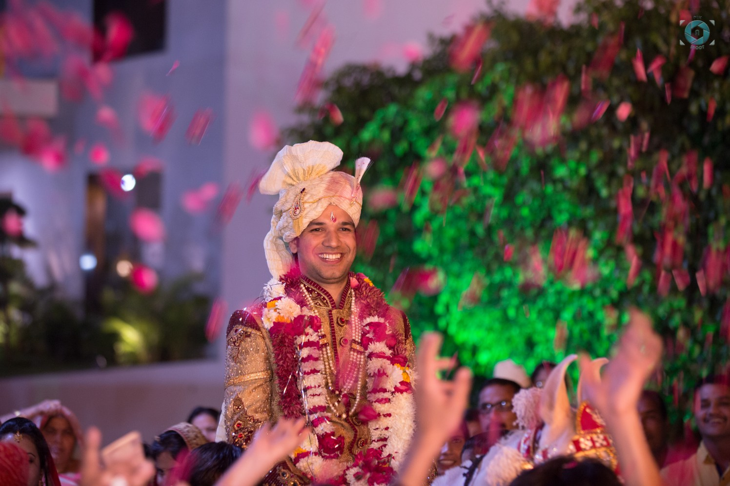 Thrilled In Happiness by Anant Mishra Wedding-photography Groom-wear-and-accessories | Weddings Photos & Ideas