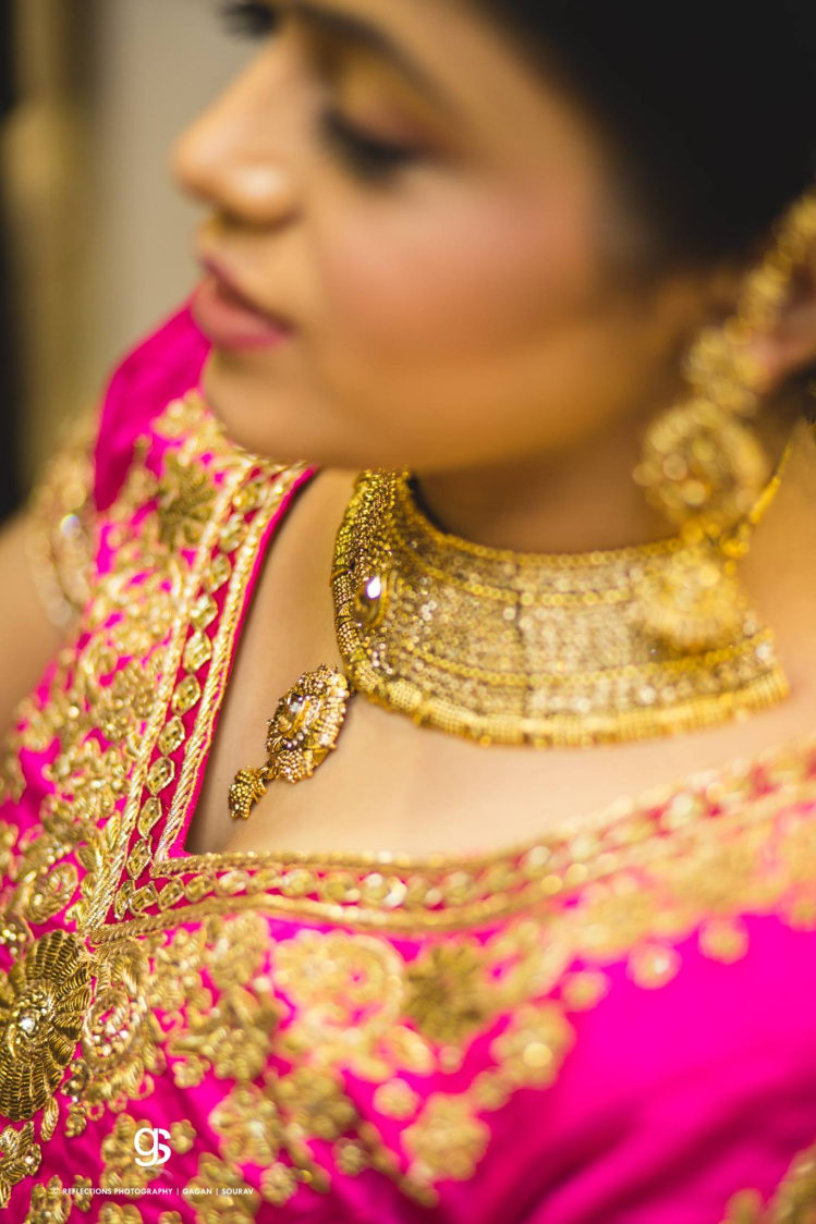 Trendy Gold Choker Necklace by Sourav Samanta Wedding-photography Bridal-jewellery-and-accessories | Weddings Photos & Ideas