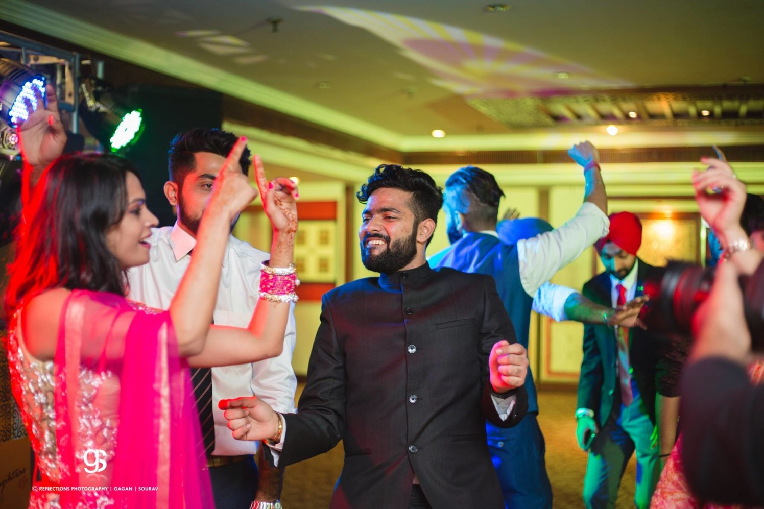 Shake a leg! by Reflections Photography Wedding-photography | Weddings Photos & Ideas