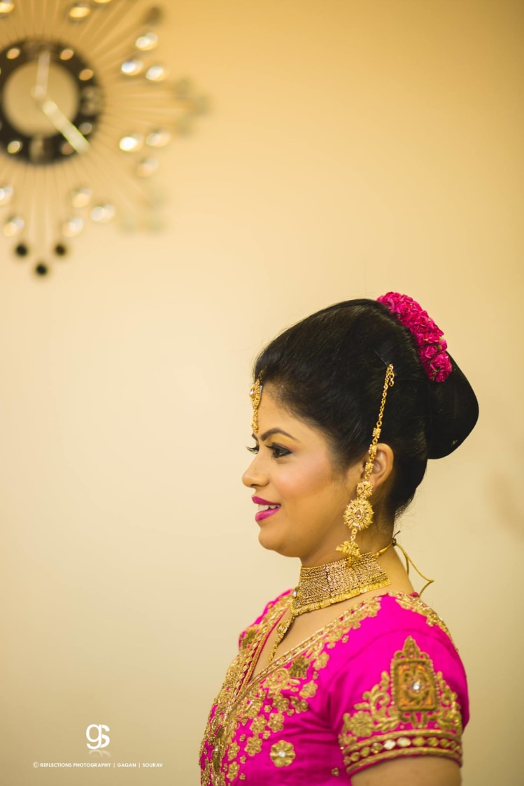 Elegant Bun Hairdo For the Wedding Day by Sourav Samanta Wedding-photography Bridal-jewellery-and-accessories Wedding-hairstyles | Weddings Photos & Ideas