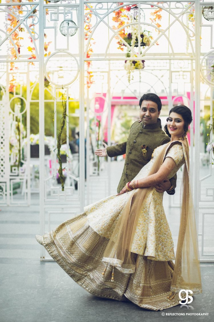 Slow dance, under the stars! by Reflections Photography Wedding-photography | Weddings Photos & Ideas