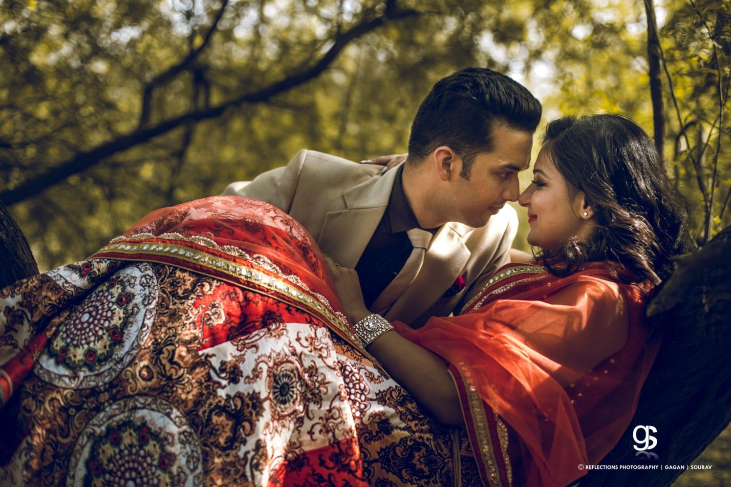 An artistic case! by Reflections Photography Wedding-photography | Weddings Photos & Ideas