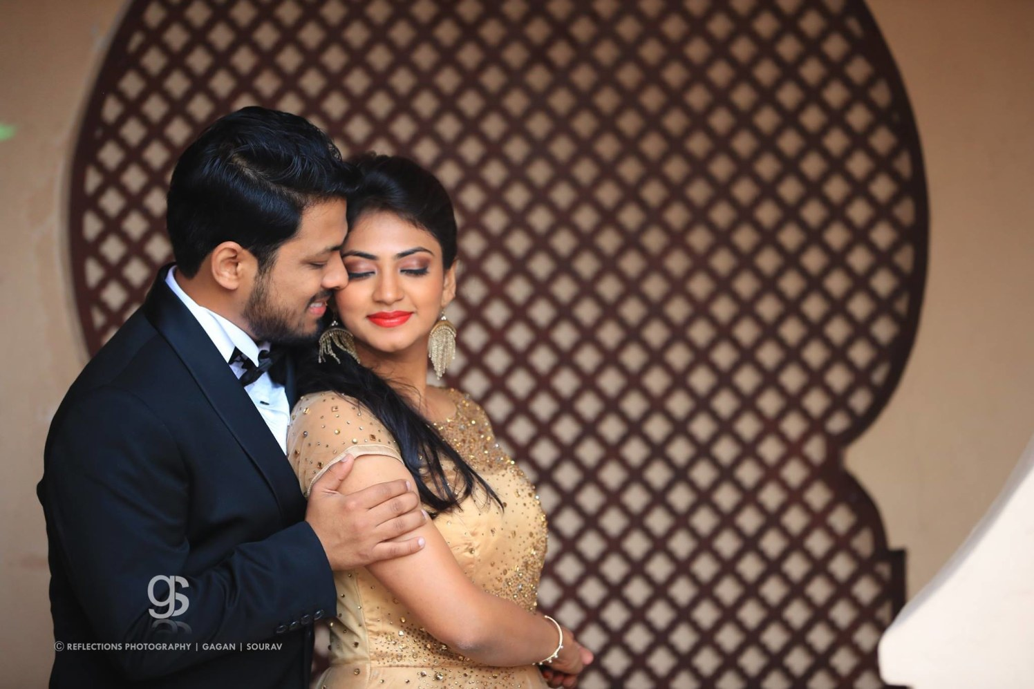 Inspiring affection by Reflections Photography Wedding-photography | Weddings Photos & Ideas