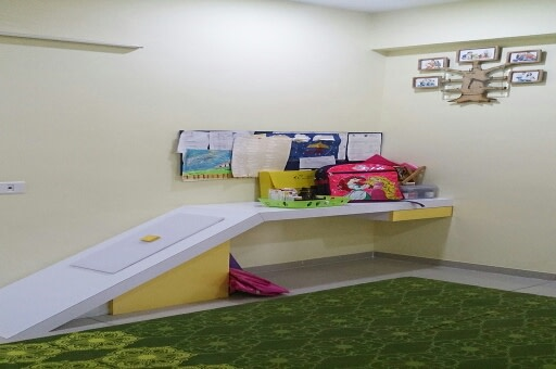 Casual Kids Bedroom by Irashri Infrastructure Contemporary | Interior Design Photos & Ideas