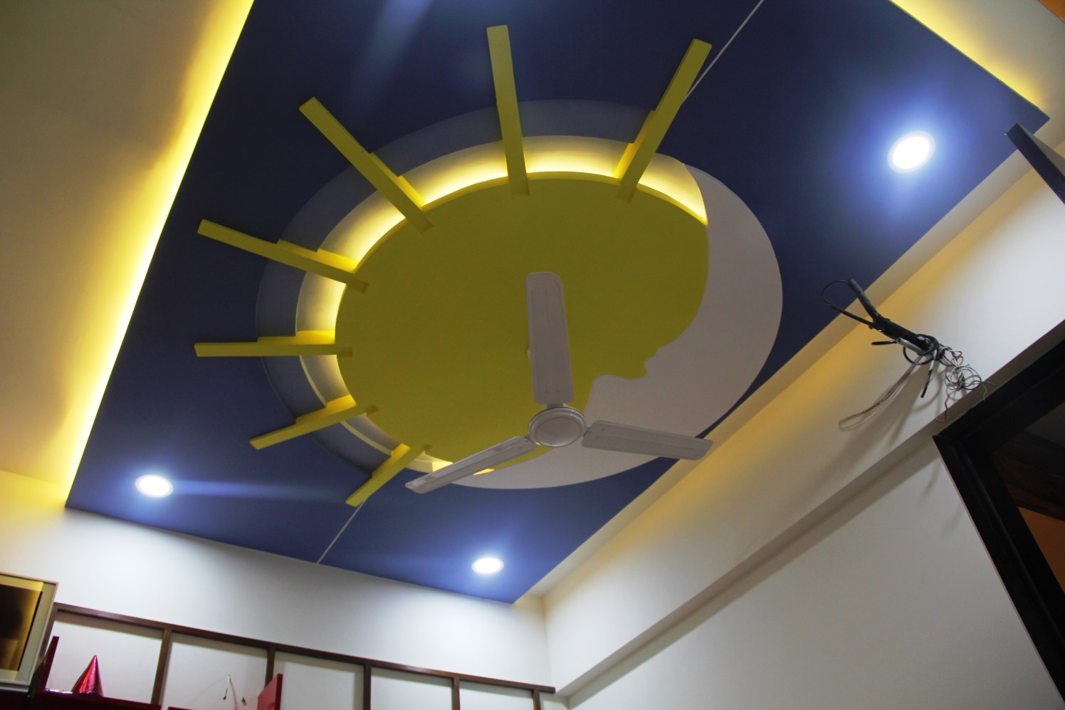 Round False Ceiling by Vibhuti Fotedar Indoor-spaces Modern   Interior Design Photos & Ideas