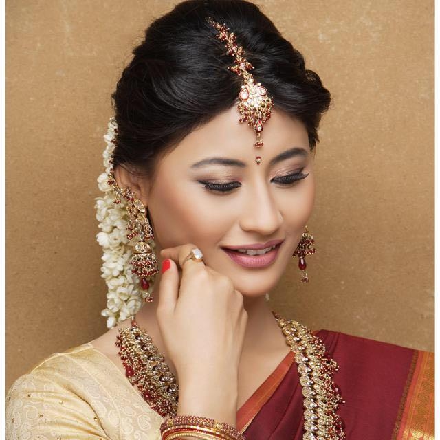Winsome maquillage by Dhruti Raichura Bridal-makeup | Weddings Photos & Ideas