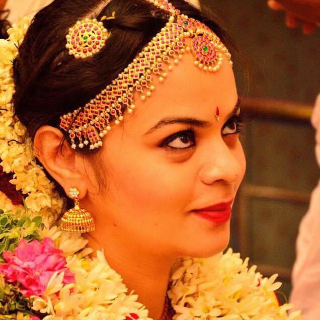 Resplendent glance by Dhruti Raichura Bridal-makeup | Weddings Photos & Ideas