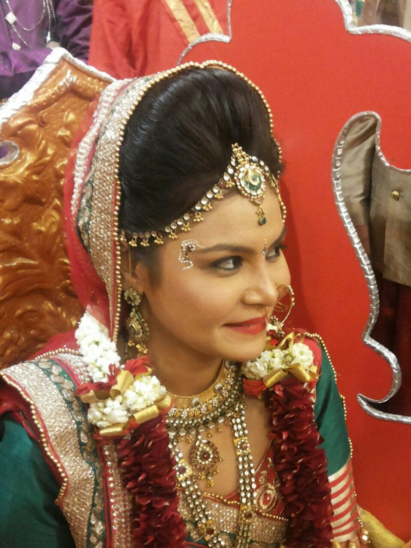 Customary gape by Dhruti Raichura Bridal-makeup | Weddings Photos & Ideas