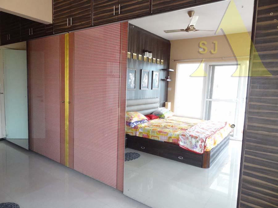 The Mirror View by Suman Bedroom Contemporary   Interior Design Photos & Ideas