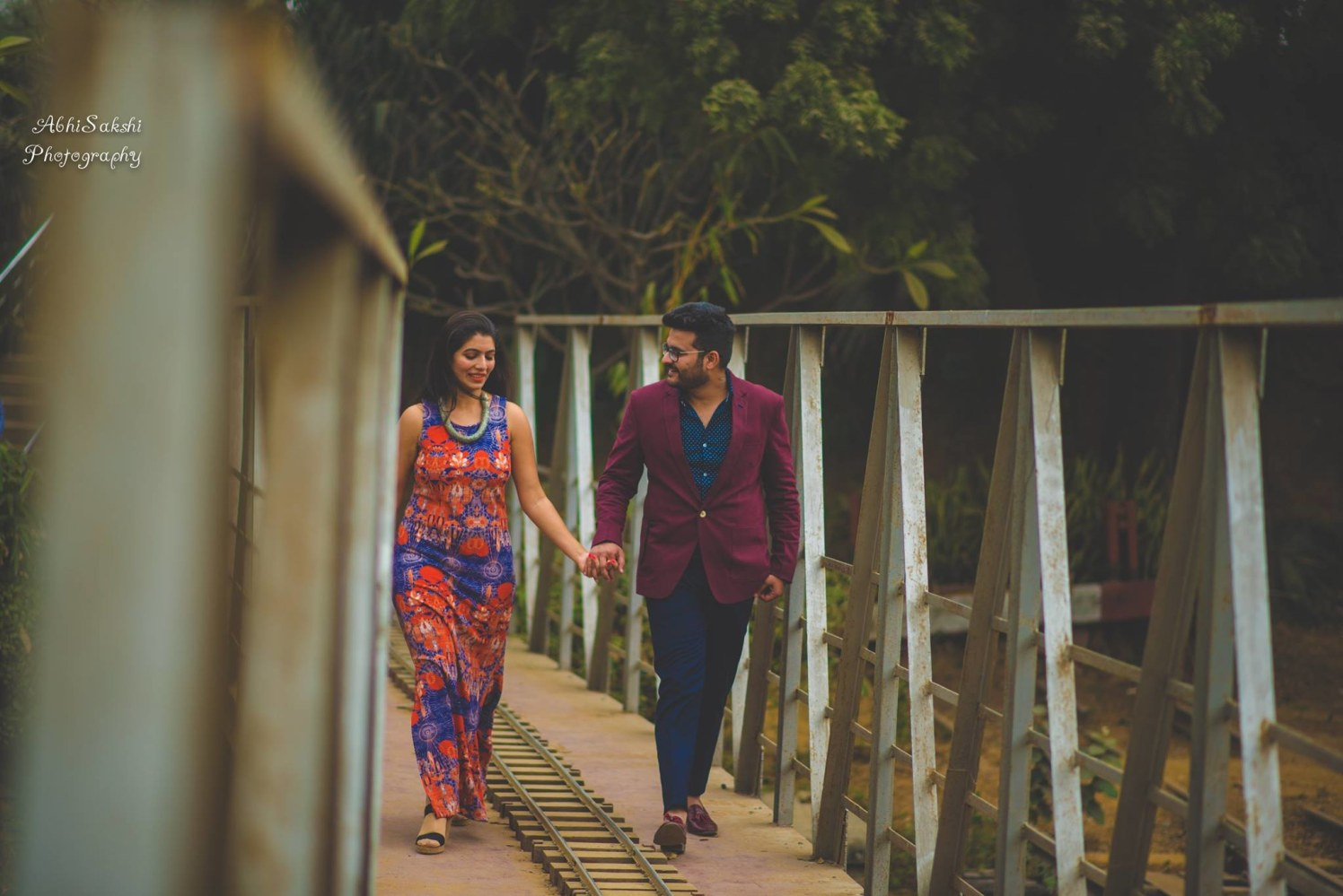 Couple goes hand in hand by AbhiSakshi Photography Wedding-photography | Weddings Photos & Ideas