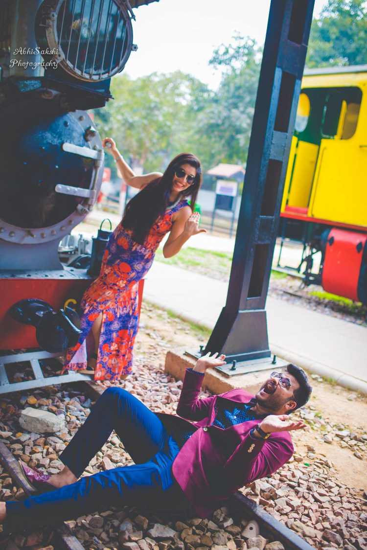 Pre-wedding Shoot pose by AbhiSakshi Photography Wedding-photography | Weddings Photos & Ideas