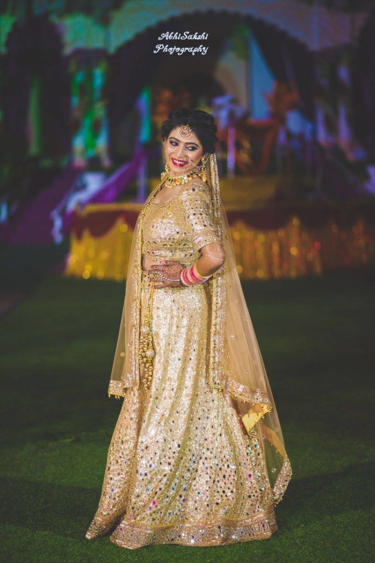 Pretty Bride Posing by AbhiSakshi Photography Wedding-photography | Weddings Photos & Ideas