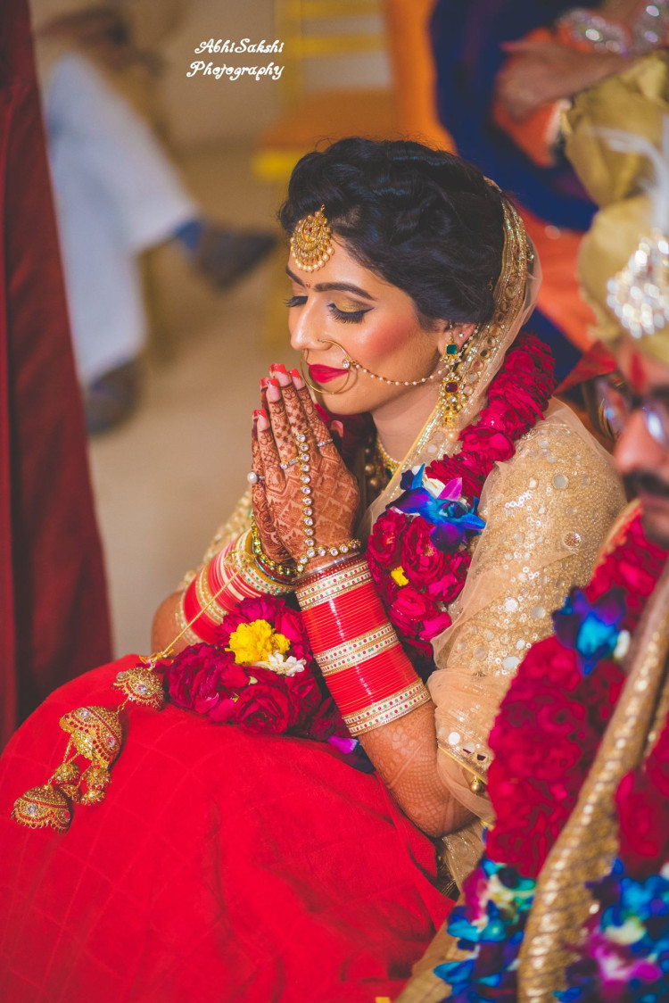 Perfect Candid Bride Shot by AbhiSakshi Photography Wedding-photography   Weddings Photos & Ideas