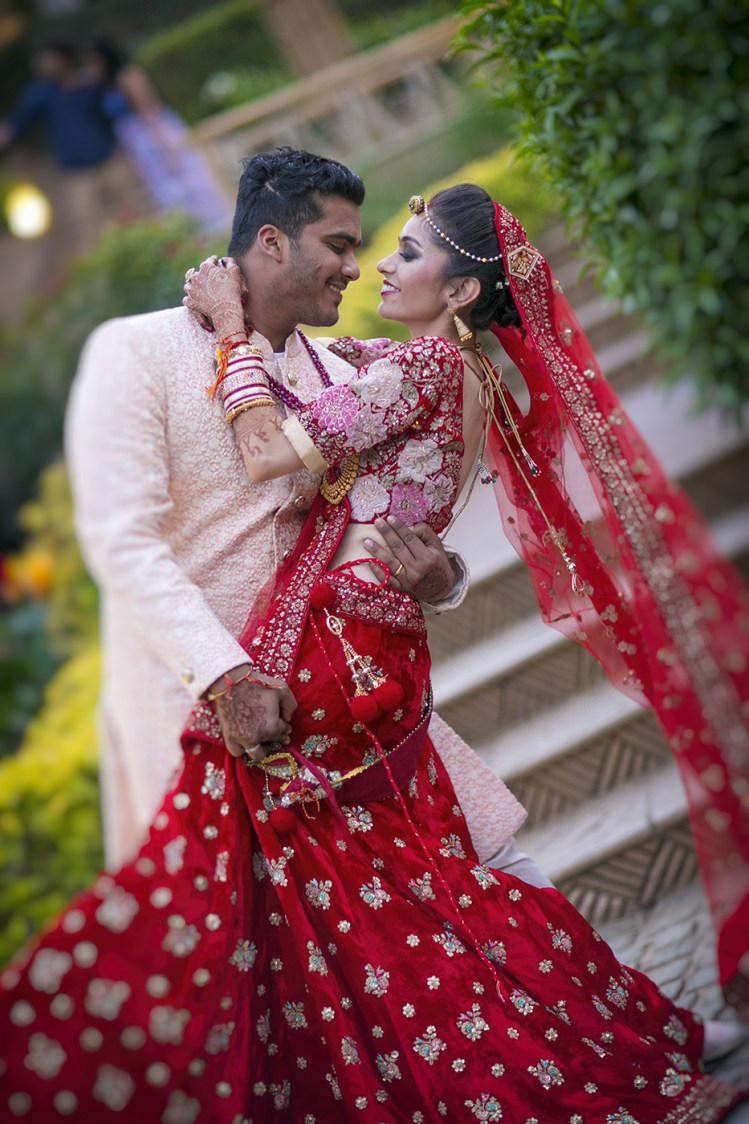 Stunning Couple Portrait On Their Grand Day by Niranjan Patwardhan Wedding-photography | Weddings Photos & Ideas