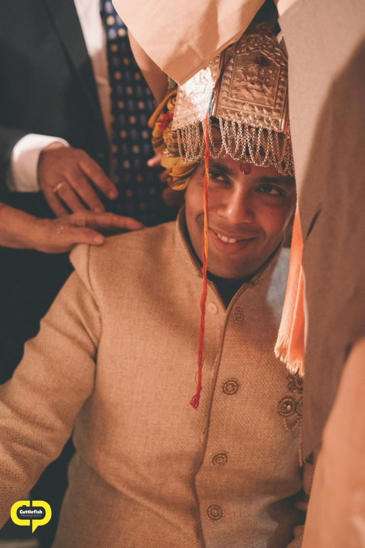 Concealment of groom by Cuttlefish Photography Wedding-photography | Weddings Photos & Ideas