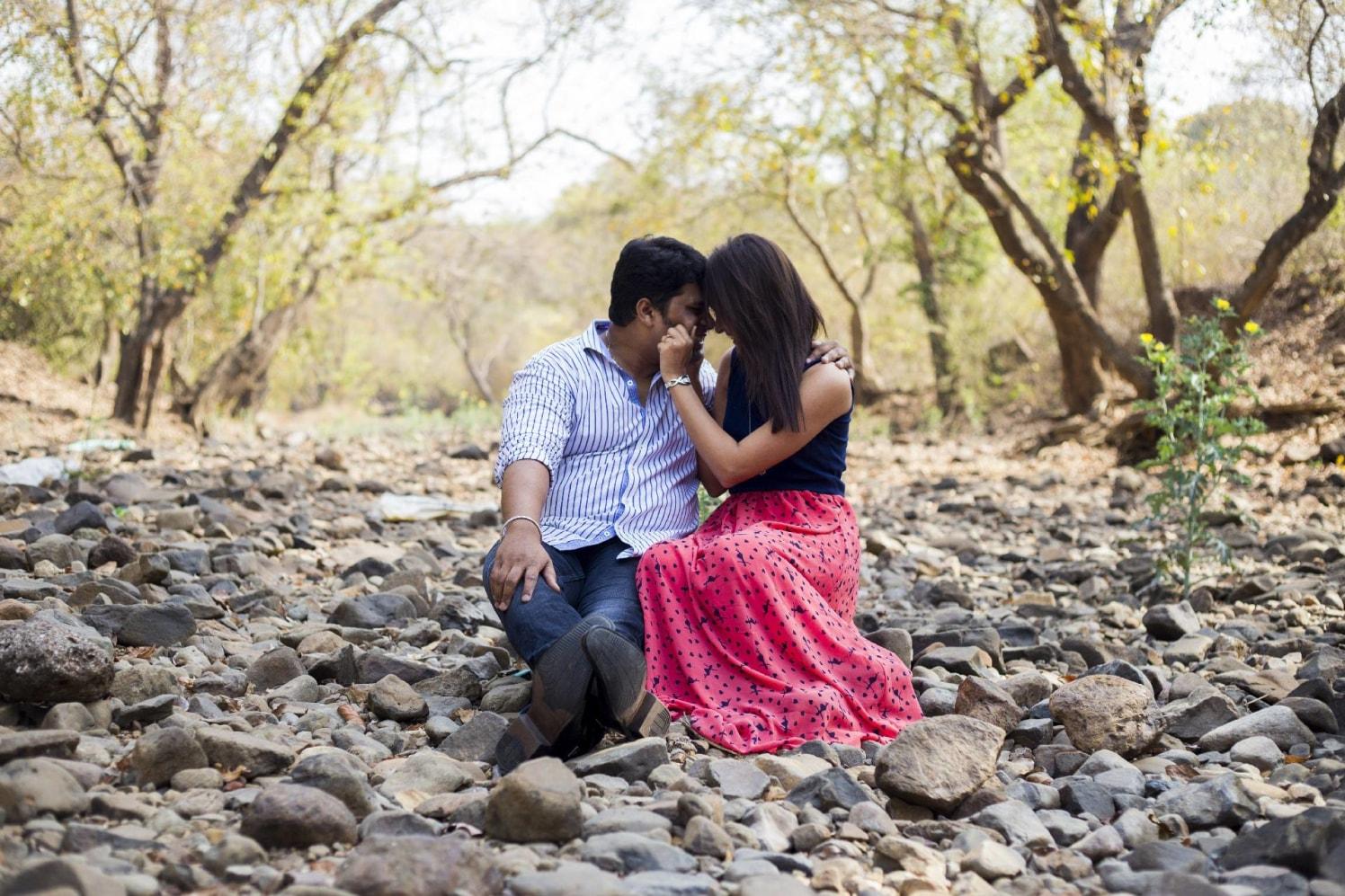 Closeness in cuddling by Cuttlefish Photography Wedding-photography | Weddings Photos & Ideas