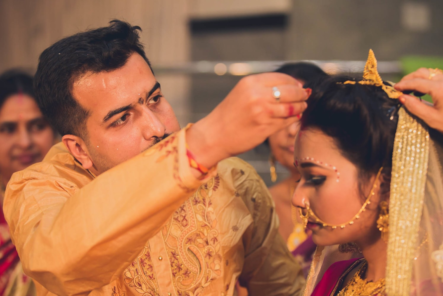 Getting the virtuous grip! by Patrick Joseph Wedding-photography | Weddings Photos & Ideas