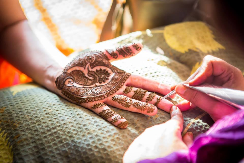 Intricate Leaf Designed Mehendi by Vrutika Doshi Wedding-photography Bridal-mehendi | Weddings Photos & Ideas