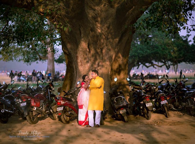 Loving gaze by Parnadeep Mukherjee Photography  Wedding-photography | Weddings Photos & Ideas