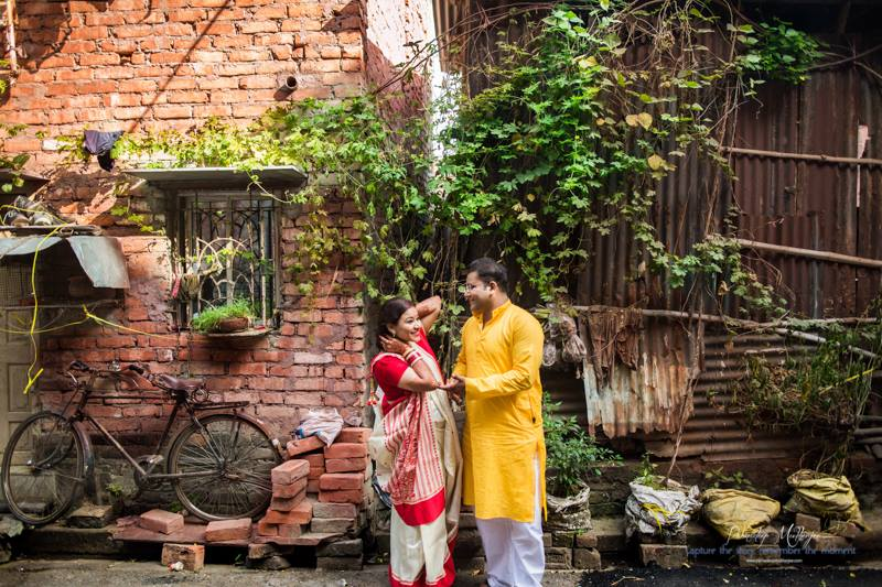 Lovey dovey by Parnadeep Mukherjee Photography  Wedding-photography | Weddings Photos & Ideas