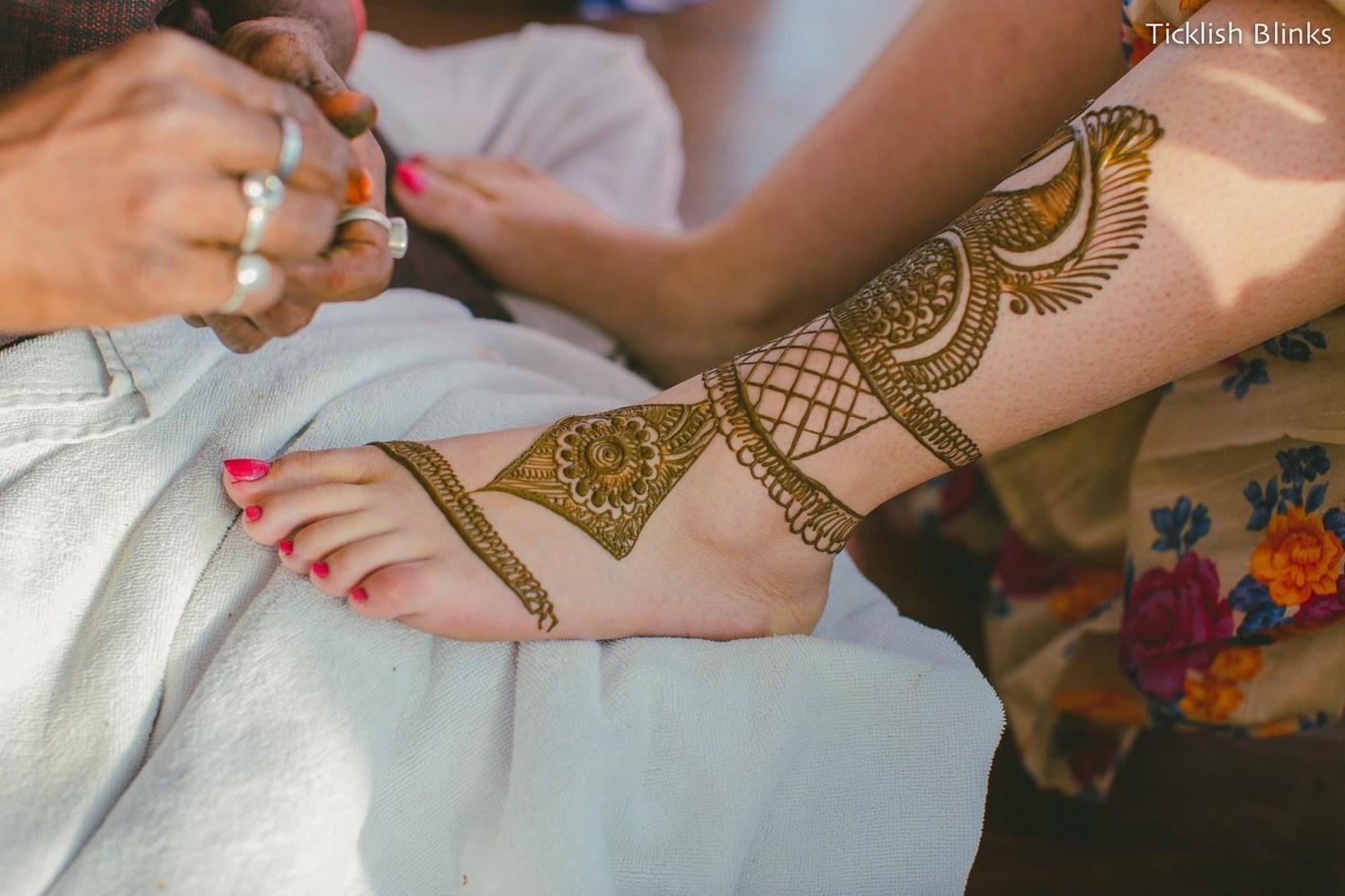Mehendi Pattern On Feet by Ticklish Blinks Wedding-photography Bridal-mehendi | Weddings Photos & Ideas