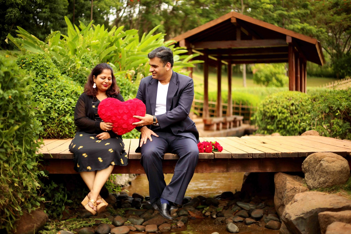 Surrendering his heart! by Rushil Jadhav Wedding-photography | Weddings Photos & Ideas