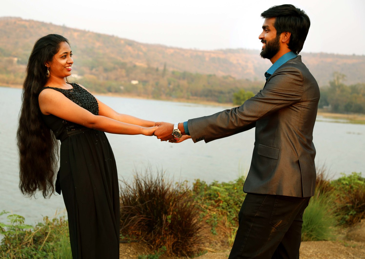 Admiration of bond by Rushil Jadhav Wedding-photography | Weddings Photos & Ideas