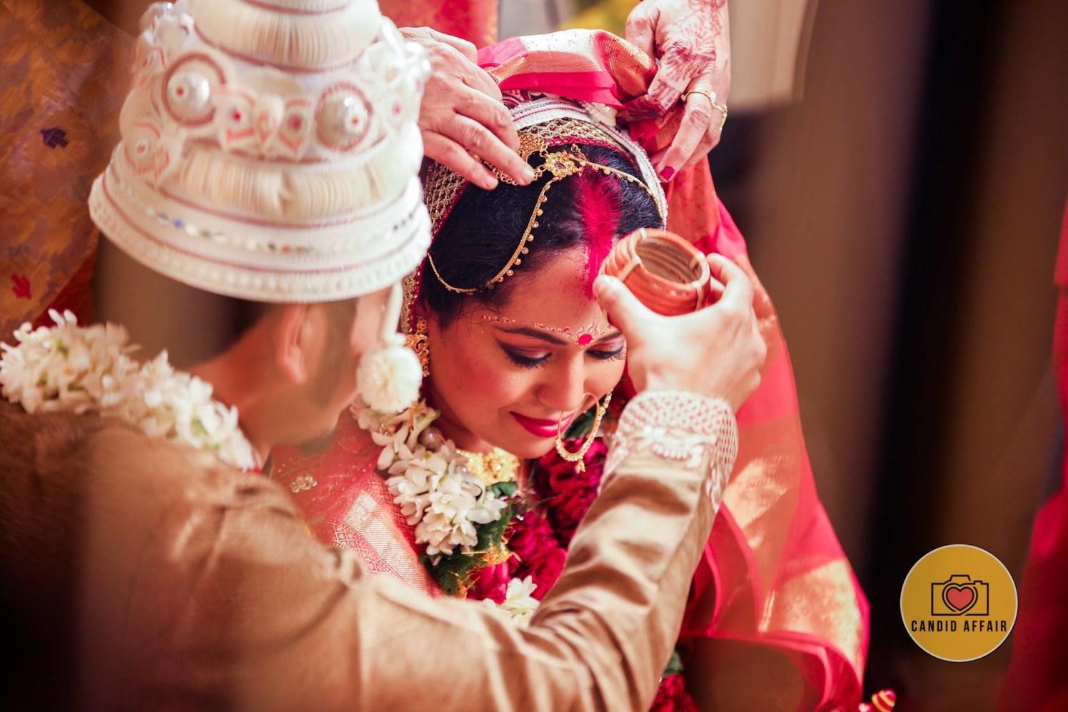 A gleeful chuckle by Candid Affair Wedding-photography | Weddings Photos & Ideas