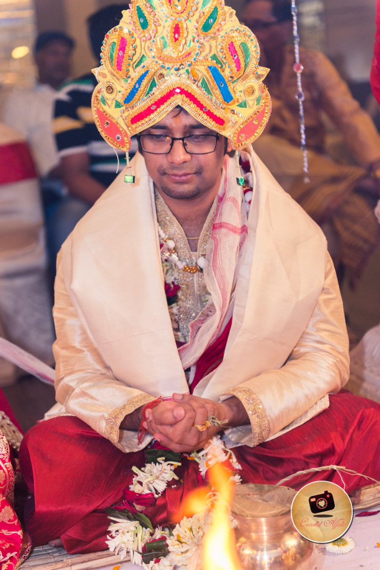 Groom With Large Golden Crown by Candid Affair Wedding-photography | Weddings Photos & Ideas