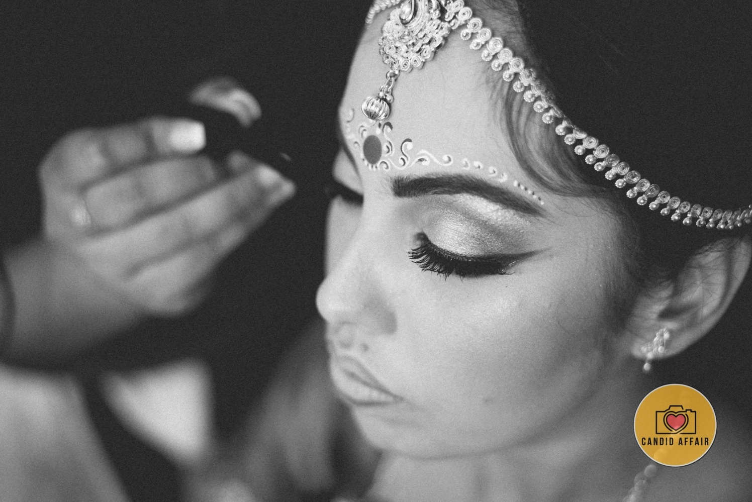Detailed Chandan Design With Bridal Jewellery by Candid Affair Wedding-photography | Weddings Photos & Ideas