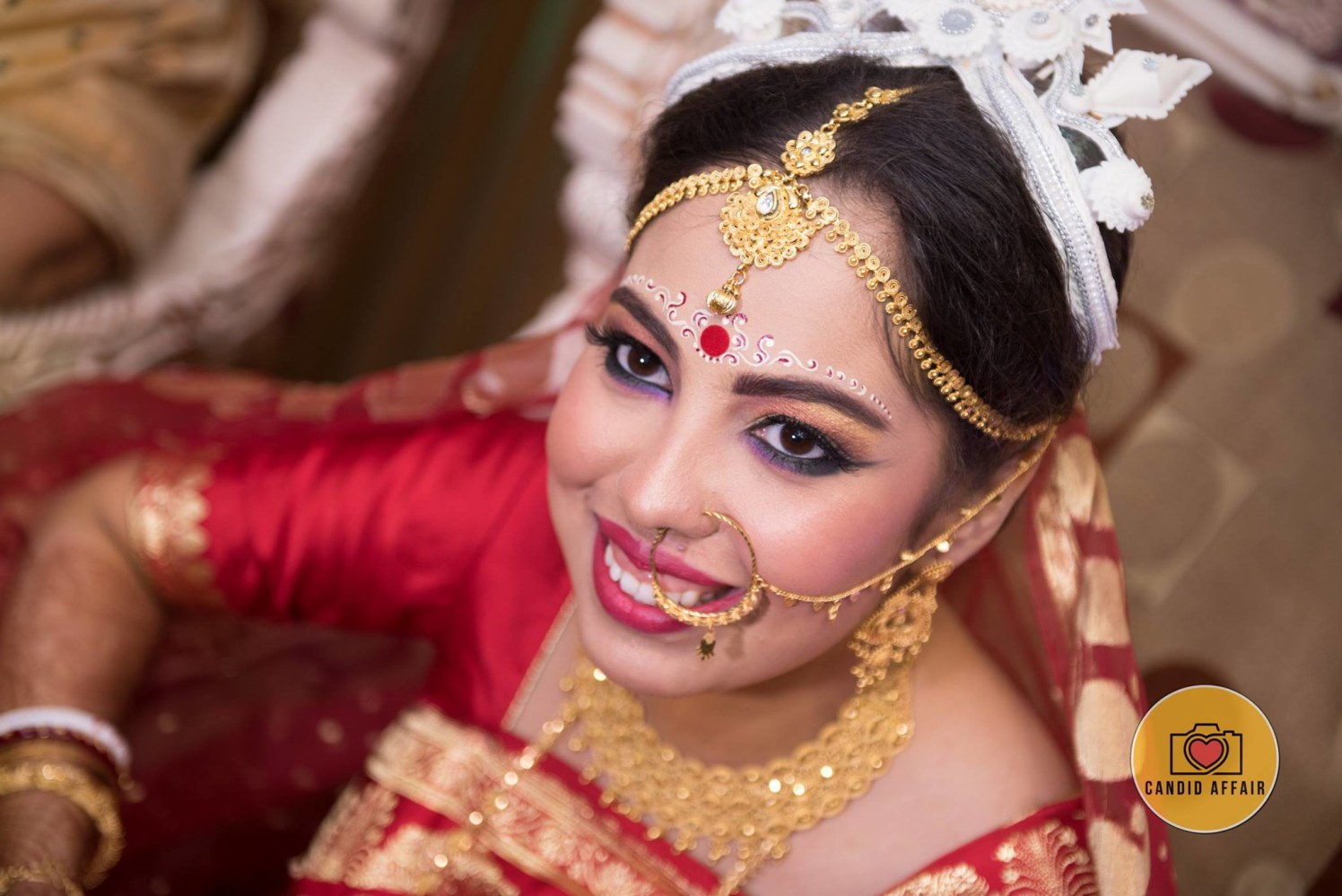 Traditional Gold Jewellery For The Bride by Candid Affair Wedding-photography Bridal-jewellery-and-accessories Bridal-makeup | Weddings Photos & Ideas