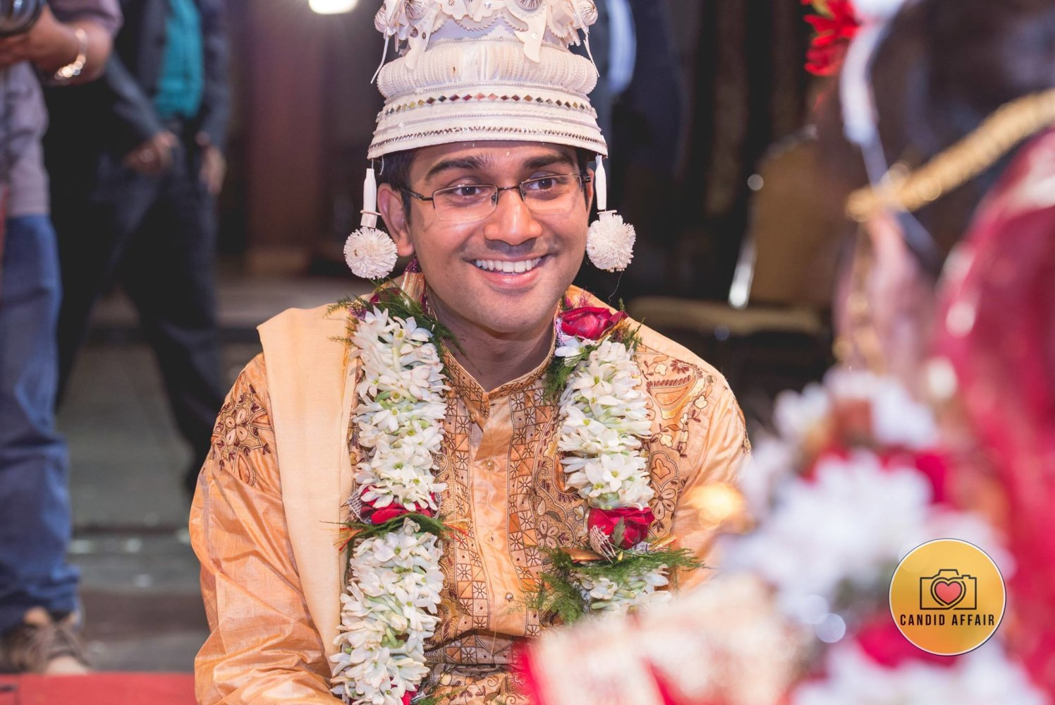 Groom Wearing Traditional Bengali Mukut by Candid Affair Wedding-photography | Weddings Photos & Ideas