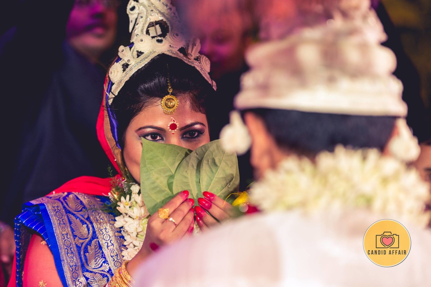 Beautiful Bengali Wedding Ritual by Candid Affair Wedding-photography Bridal-jewellery-and-accessories Bridal-makeup | Weddings Photos & Ideas