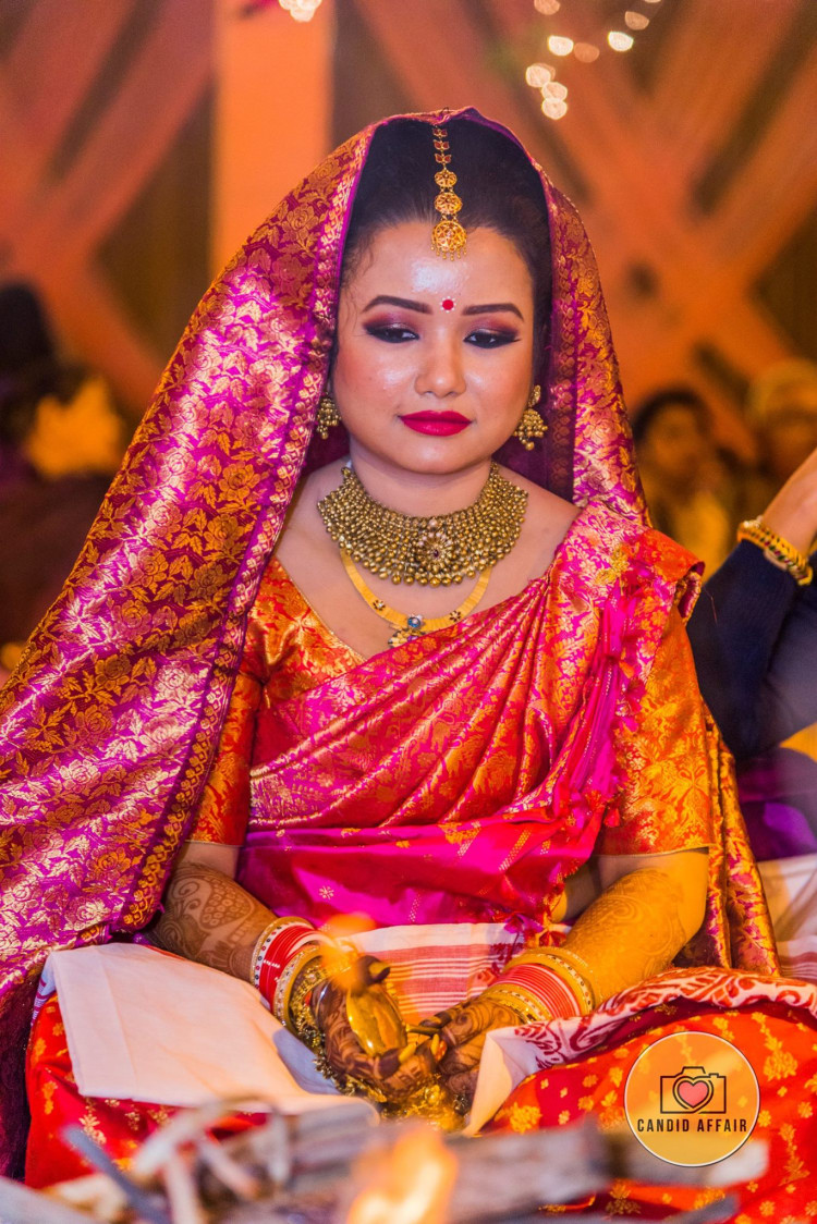 Bright Highlighted Makeup Of Bride For The Wedding Day by Candid Affair Wedding-photography Bridal-jewellery-and-accessories Bridal-makeup | Weddings Photos & Ideas