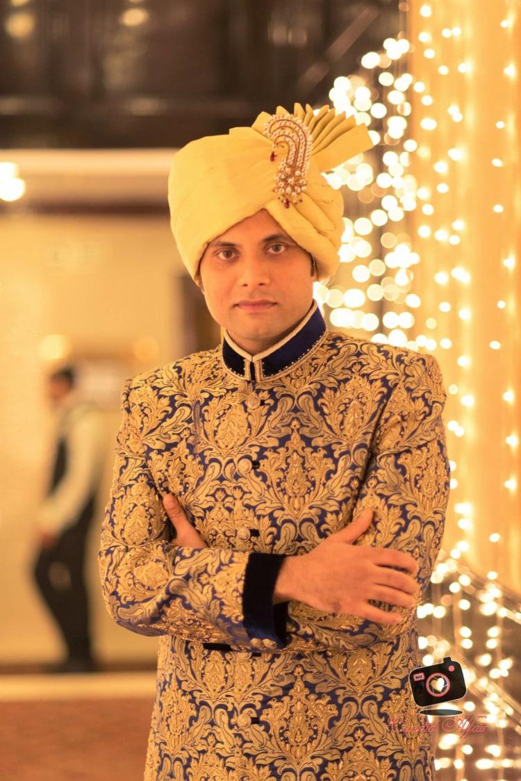 Golden Shaded Turban With Gemstone Kilangi Broocj by Candid Affair Wedding-photography Groom-wear-and-accessories | Weddings Photos & Ideas