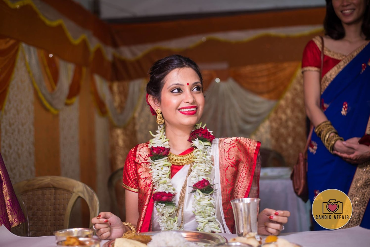 Bengali Bride In Red And White by Candid Affair Wedding-photography Bridal-makeup | Weddings Photos & Ideas