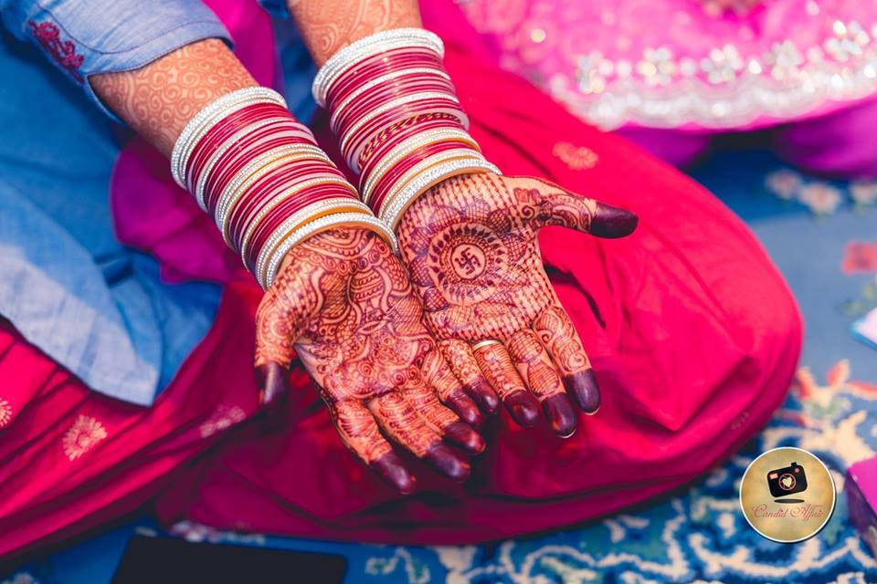 Indian Bridal Mehendi by Candid Affair Wedding-photography Bridal-mehendi | Weddings Photos & Ideas