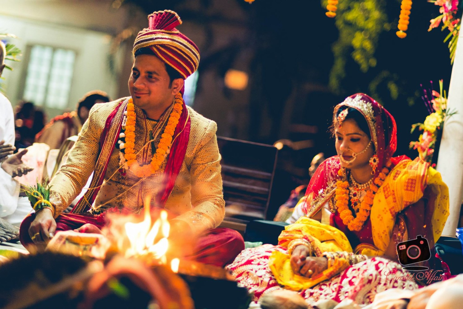Indian Bride And Groom Performing Holy Rituals by Candid Affair Wedding-photography | Weddings Photos & Ideas