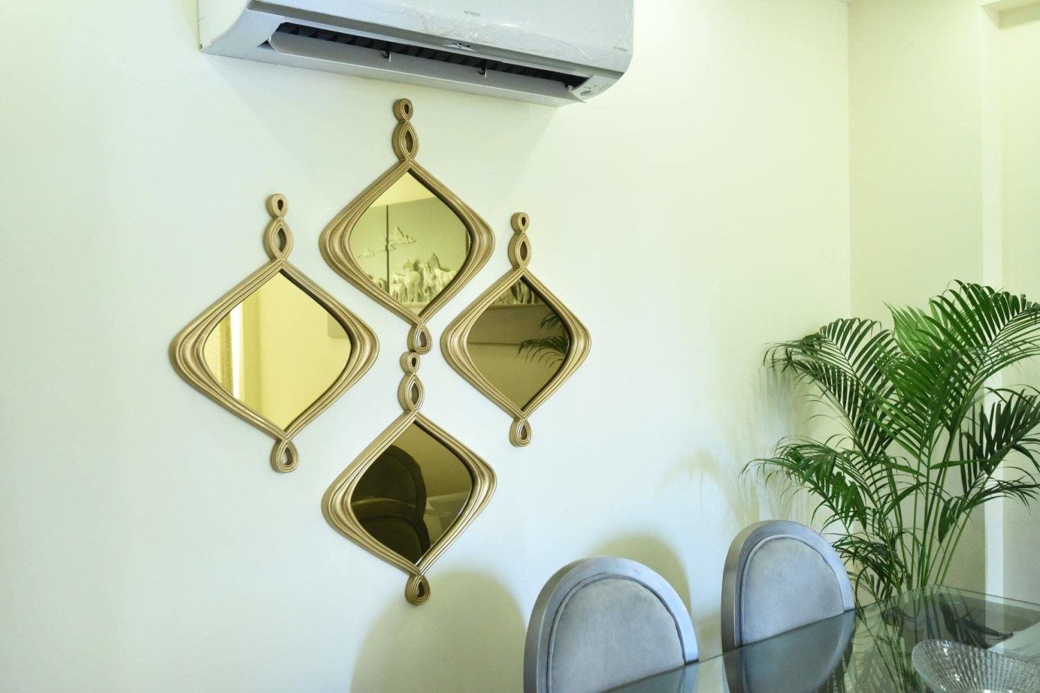 Artisitc Copper Mirrors by Aditya Mohan Modern | Interior Design Photos & Ideas