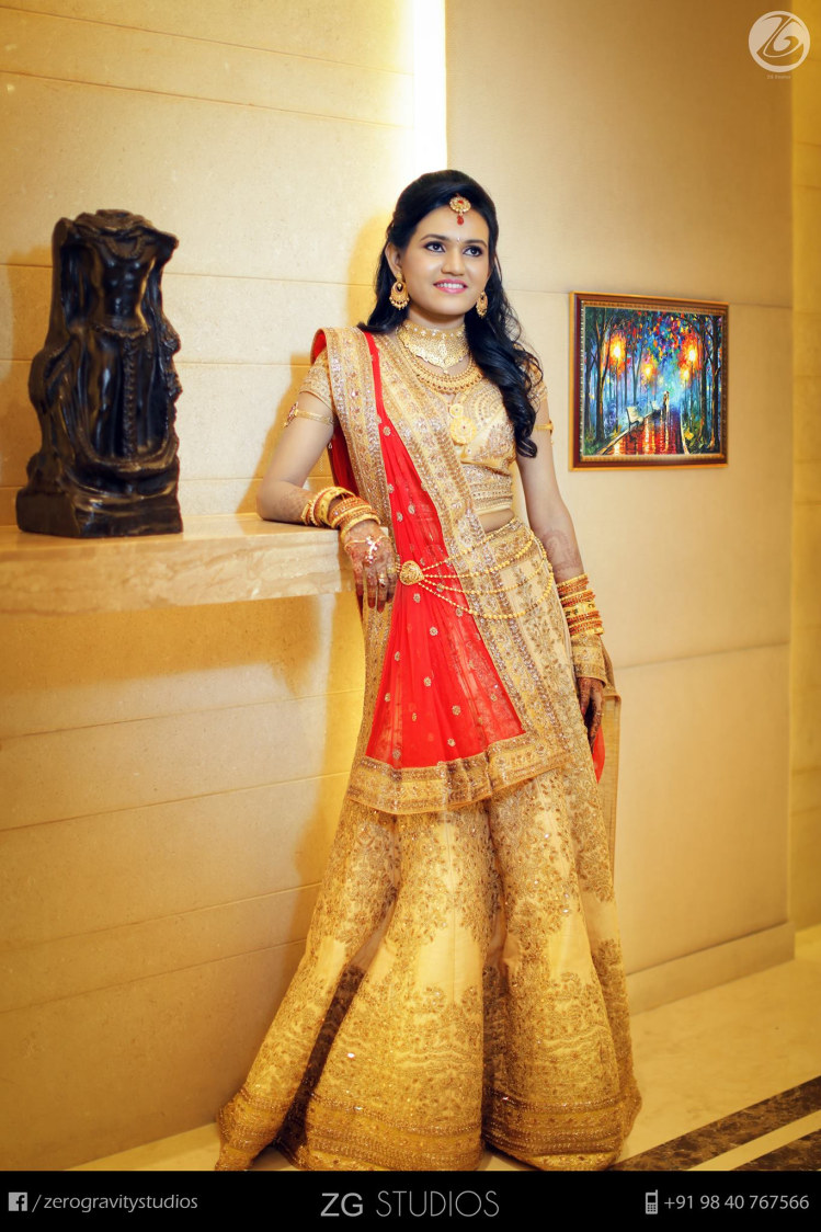 Shiny golden attire by Ajay Wedding-photography | Weddings Photos & Ideas