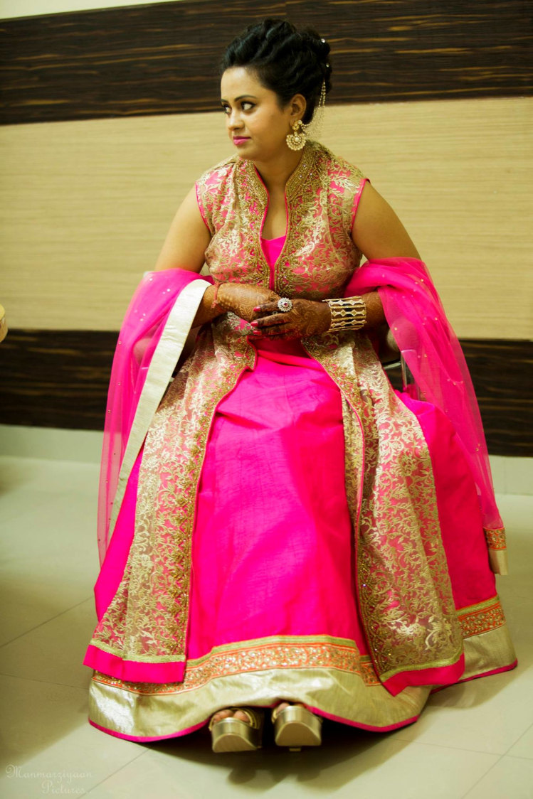 Beaming ensemble by Manmarziyaan Pictures Wedding-photography | Weddings Photos & Ideas